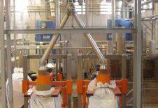 Double station de remplissage de big bag alimentée par un transport pneumatique