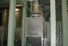 Dispositif de remplissage de flobin sous silo avec table élévatrice