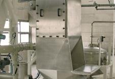 Trémie vide sacs tout inox avec filtre et fond vibrant d'extraction